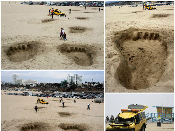 Guerrilla marketing for King Kong 3D on the beach